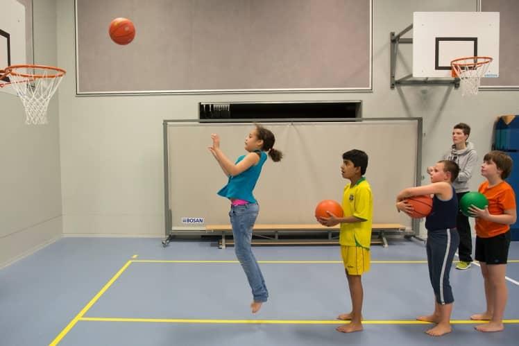Kinderen aan het sporten