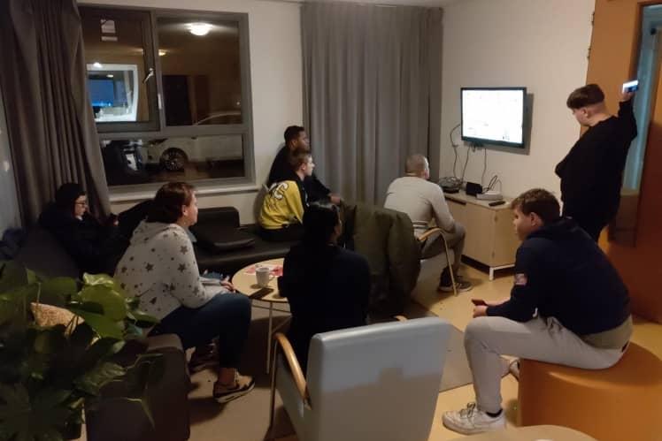 Jongeren met LVB hebben online game avond met begeleiding van Middin